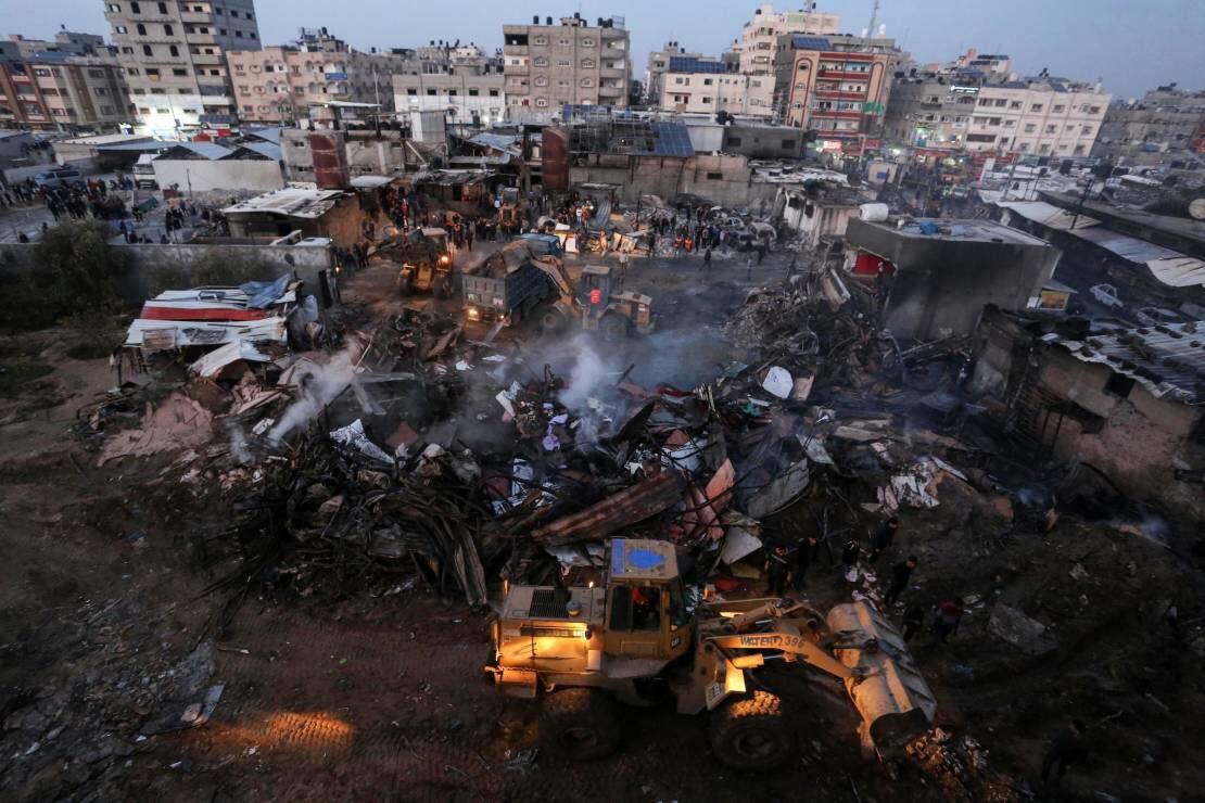 MASSIVE FIRE AT NUSSEIRAT REFUGEE CAMP IN BESIEGED GAZA KILLS11